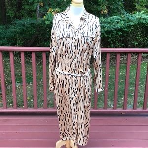 NWT! ASOS SZ 8, front button  long sleeve dress